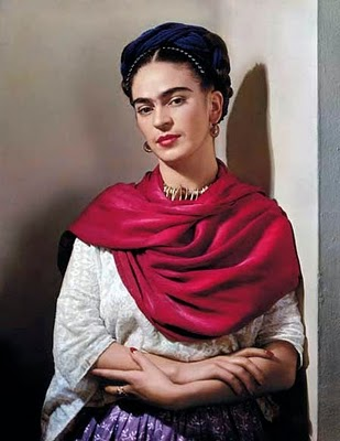 frida with magenta rebozo